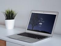 Macbook pro webpage mockup PSD
