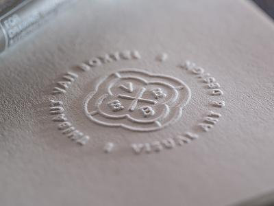 Dry embossing stamp circle monogram paper emboss print branding logo graphic embossing