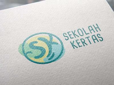 """""""Sekolah Kertas"""" Logo"""