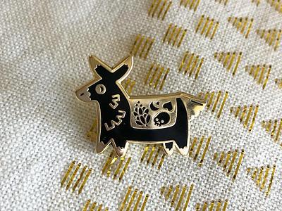Piñata Pin los angeles lapel pin enamel pin kawaii cute llama donkey piñata pinata burro pin