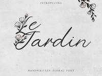 'Le Jardin' floral font