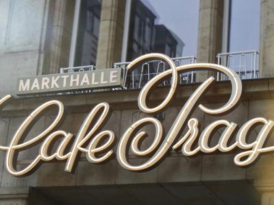 Café Prag Lettering In-Use corporate lettering brand markt cafe prag dresden