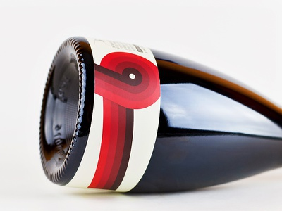 Hi-Wire Cherry Flanders Red packaging sexy thick lines retro beer label pattern simple colorful bottle cherry