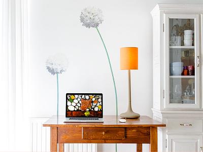 Home workspace workspace interior home macbook desk lamp wall decor light screen mockup closet photography