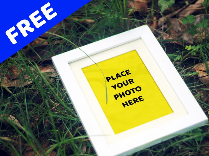 Free Mock-up Photo frame mock-up free creative photoshop