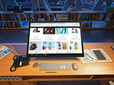 Free Modern Desktop Mockup