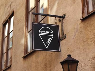 Gelateria Italia logo and signage mockup