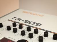 new shot 2  roland tr 909