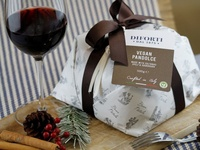 Vegan Pandolce Panettone christmas italy panettone packaging food