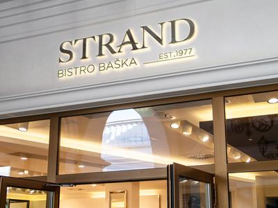 Strand restaurant // Sign