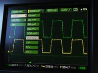 Oscilloscope green theme