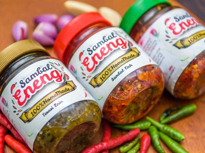 Brand and logo development for chilli sauce product