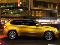 BMW X5 M gold (photo)