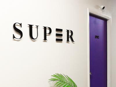 Studio Super Signage