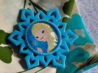 Queen Elsa Brooch