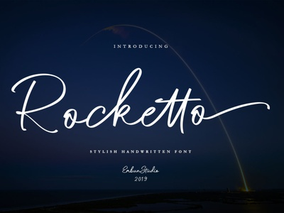 Rocketto Stylish Handwritten Font business project elegant luxury calligraphy handlettering handwritten font script