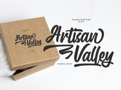 Gluottine v.01 Typeface
