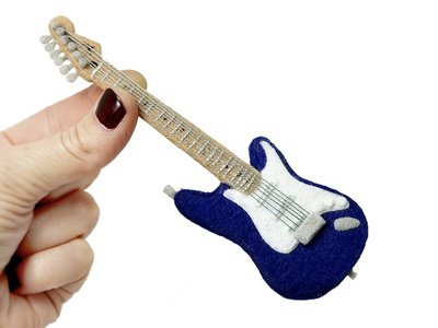 Felty Guitar Solo stratocaster hand stitched handmade thread felt guitar gibson