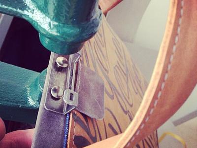 vanveerbags X bijdevleet doctors bag van veer doctorsbag brushlettering leather handmade lettering script indianink