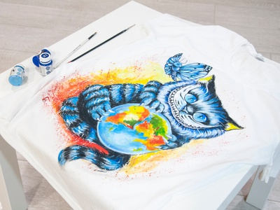 Hand-painted t-shirt, clothing customization, cheshire cat cheshire paint wear style fashion hand-painted handmade design painting