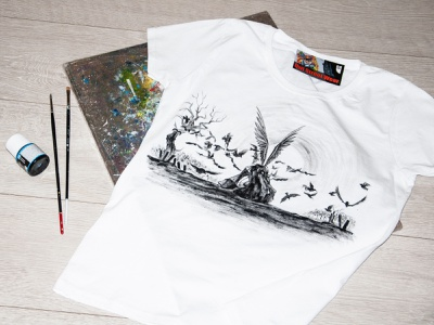 hand painted t-shirt, hand print picture apparel style wear paint fashion hand-painted handmade design painting