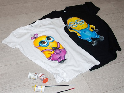 hand-painted T-shirt. family bow drawing apparel illustration style wear paint fashion hand-painted handmade design painting