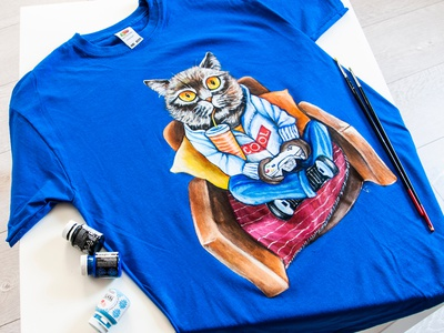 Hand-painted T-shirt, cat on the chair, custom clothes art apparel wear style paint design fashion hand-painted handmade painting