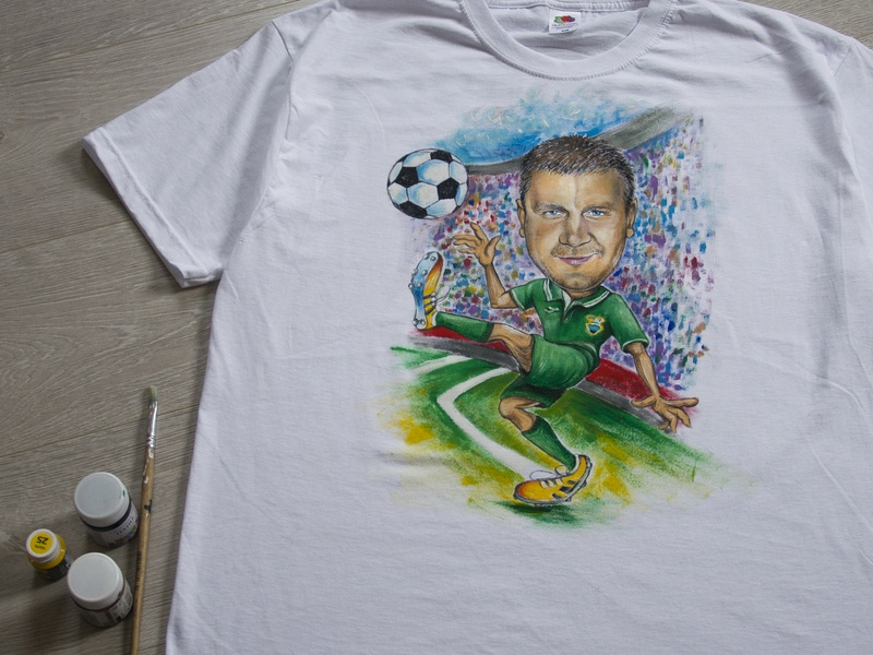 Hand-painted clothing, t-shirt with a portrait portrait picture art branding drawing paint hand-painted apparel style wear handmade fashion painting illustration design
