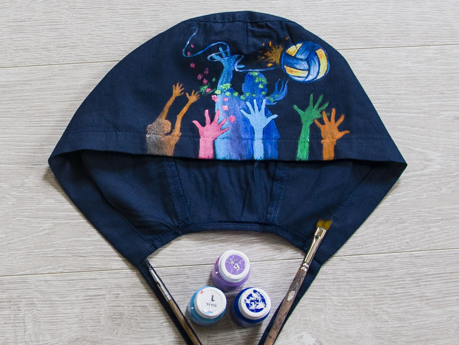 Hand-painted hat for a doctor, who likes sport sport picture fantasy paint drawing hand-painted apparel style wear handmade fashion painting design