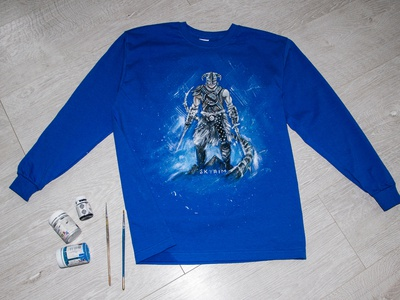 Hand-painted t-shirt with the famous SKYRIM