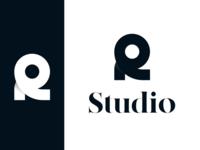Logo / Roman Studio