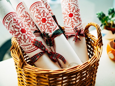 ::: Christmas Coupons - Pezzi di Mo' ::: portugal ceramic lisbon parchment design scottish plot winter ice print christmas coupons