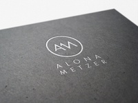 Alona Metzer Logo