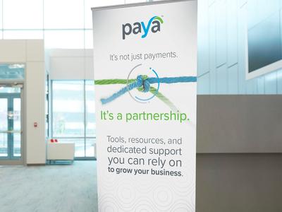 Custom retractable banner - partnership