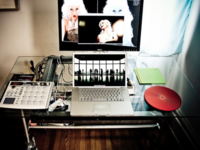 retouching setup : mobile desk