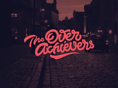Logo: The Overachievers lettering logo pokras pokraslampas