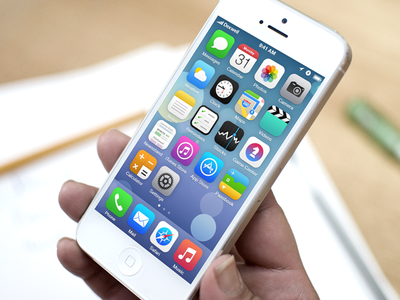 iOS 7 Springboard Redesign ios 7 ui ios iphone redesign flat mockup springboard icons homescreen