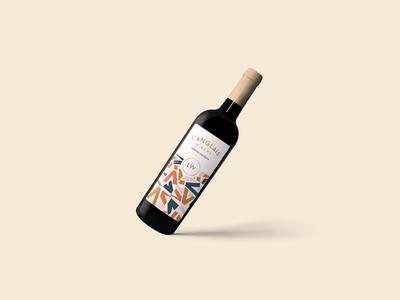 L'anglais Wine Bottle