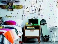 Design Mate Scattered shapes wallpaper