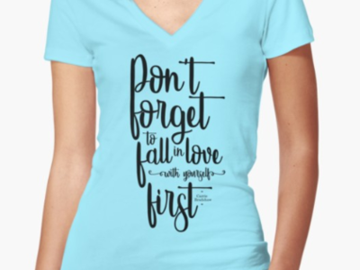 Don't forget to fall in love / Women fitted V neck