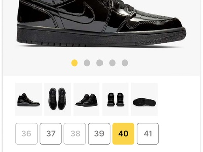 Shoes online shop flat clean iphone iphone x ios e-commerce sport trainers sneakers ui design mobile app design mobile app app figmadesign figma nike shoes online store online shop