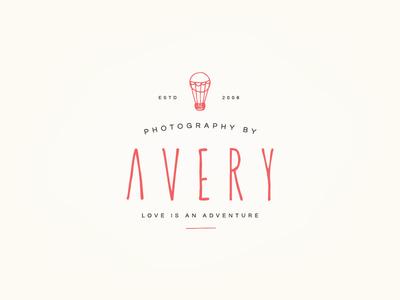 Avery Logo V2