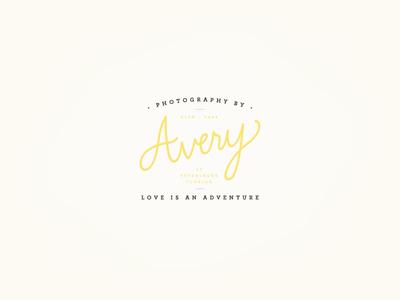 Avery Logo V3