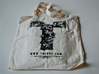 Twinne Bag - from the concept to the product twinne bag packaging design handdrawn product floreal logo