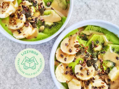 Lizzybox Branding: Social media watermark graphic designer brand identity green logo badge branding foodphotography lizzybox healthyfood healthy food