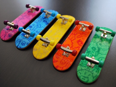 Fingerskate Custom fingerskates fingerboard custom posca doodles monsters samnuts