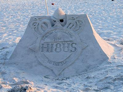 Hi8us Logo in sand sand sculpture