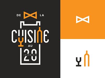 De la Cuisine au 20 bowtie glass bottle wine kitchen logo