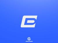 D + E Logo
