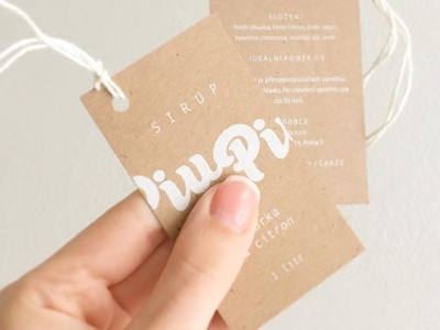 recykled paper hanger for PIUPIU SYRUPS nature string silkcreen white paper label hanger bioquality juicy tasty